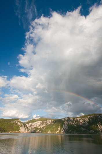 Curcubeu dublu in Cazanele Dunarii