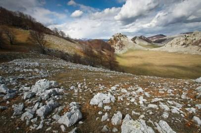 Calcar la greu intre Crovul Medved si Poiana Porcului - Poienile de Sus ale Cernei