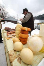 "Mini-piata din Cheia - ""Expozitie cu vanzare"" de produse traditionale"