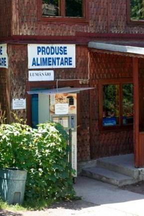 Manastirea Cernica - Magazinul cu produse alimentare