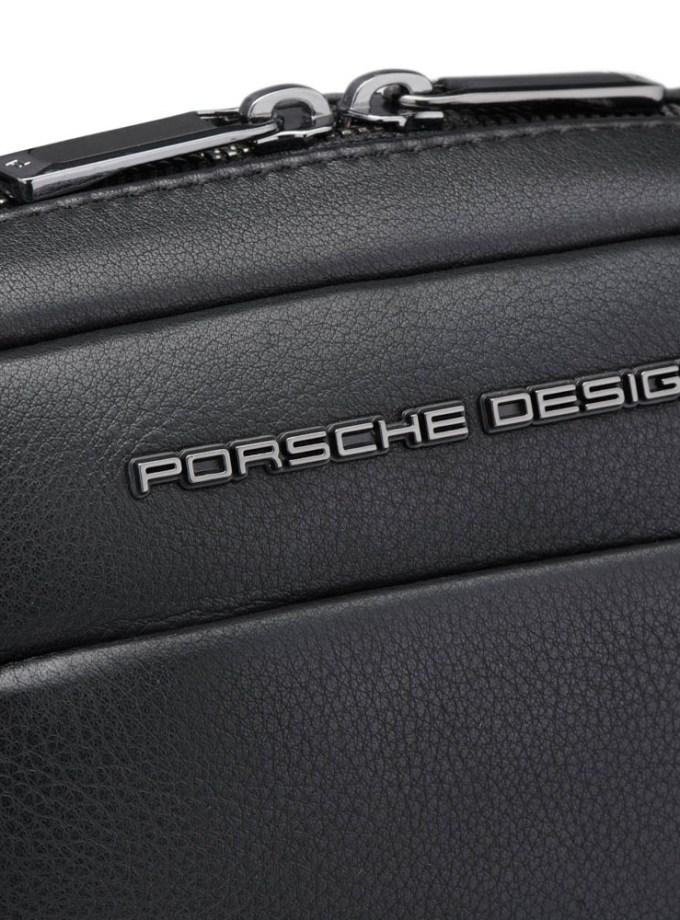 Porsche Design - Roadster Tracolla XS - Cartoleria Rossi Mantova dal 1927 - Piccola borsa a tracolla da uomo realizzata in pelle di vitello. La borsa a tracolla è perfetta per la vita di tutti i giorni e le vacanze, con uno scomparto principale adatto per tablet.
