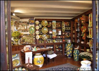 2012, Nov. - Orvieto, Umbria - Ceramic shop