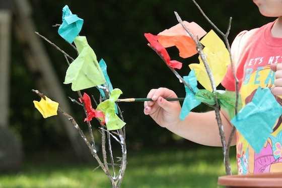 6 nápadů na tvoření podzimních stromů s předškoláky (2)
