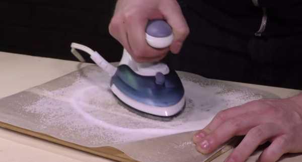 Návod-jak-vyčistit-zašlou-žehličku-pomocí-soli-3
