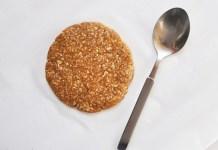 Nepečené ovesné sušenky ze 4 zdravých ingrediencí
