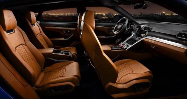 Lamborghini Urus suv - Cabin Interior