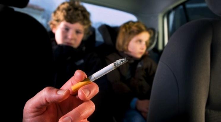 Bahaya Merokok dalam Mobil