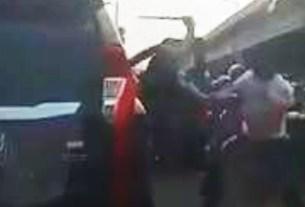 Pertarungan Jalan Raya Berujung Kepala Bocor