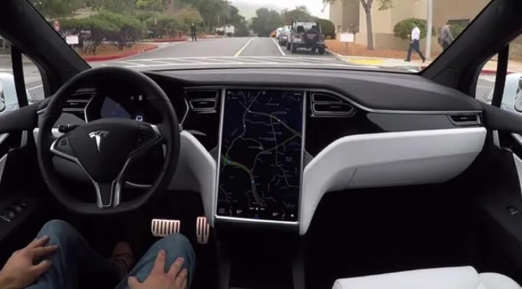 Peningkatan Autopilot Tesla Epic