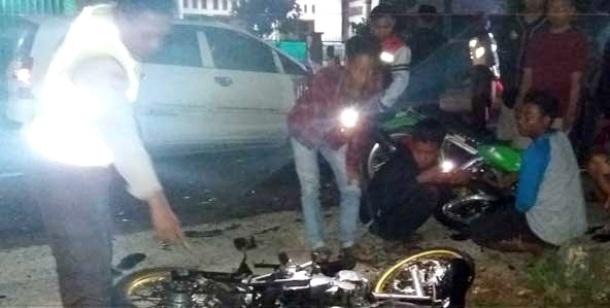 Kecelakaan Club Honda CB vs Innova di Tuban - 2 orang tewas