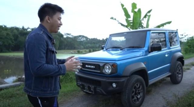 Ridwan Hanif saat Mereview Suzuki Jimny Miliknya