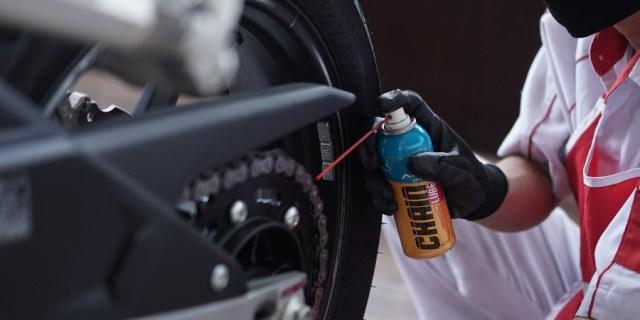 Pelumas untuk Rantai Sepeda Motor