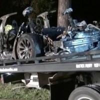 Tesla Model S Hancur Terbakar setelah Tabrak Pohon