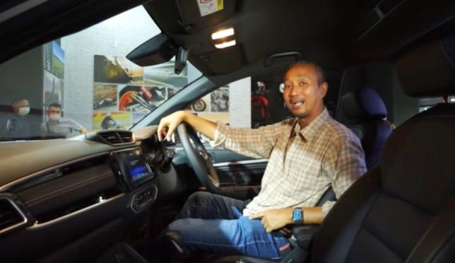 Fitra Eri saat Review First Impression All New Honda BR-V