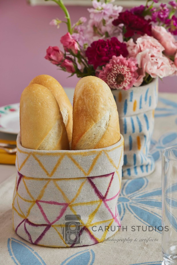 Drop cloth bread basket