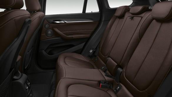 BMWX1内装画像