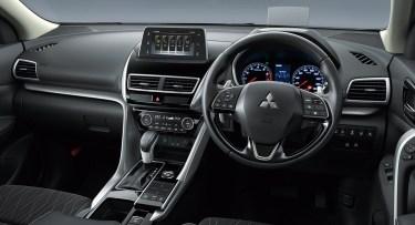 三菱新型SUVエクリプスクロスの内装【コックピット・インパネ】を徹底レビュー!ライバル車と比べてどこがいい?