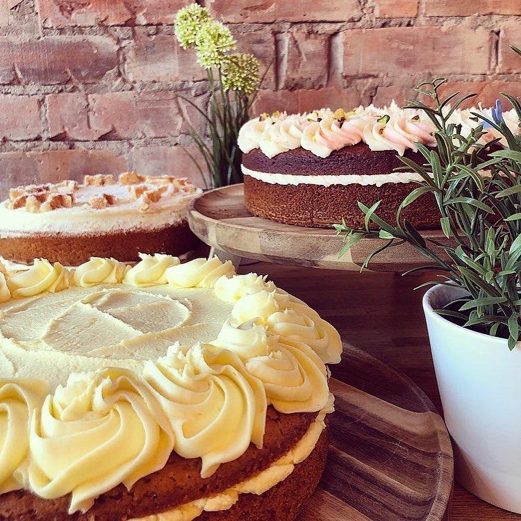 ld24-cakes via @carvetiicoffee