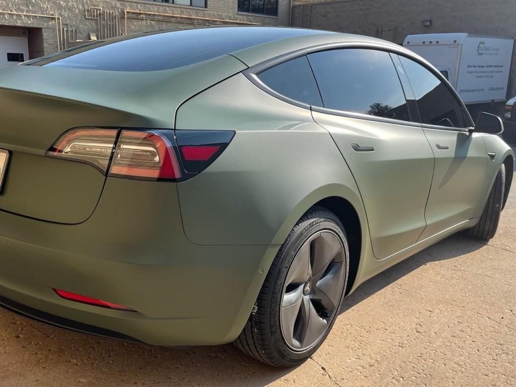 Tesla model 3 tinted windows bak view