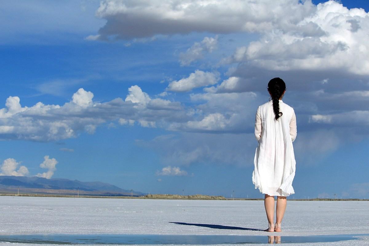 La alegría de mirar hacia arriba – Comentario a la parashá de Jukat