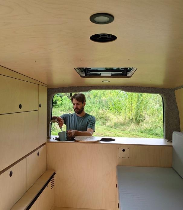 Designer transforma carro em casa para acampamentos 04 Vision Art NEWS