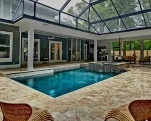 Construção de piscina coberta