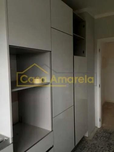 Móvel lacado alto brilho para remodelação de cozinha