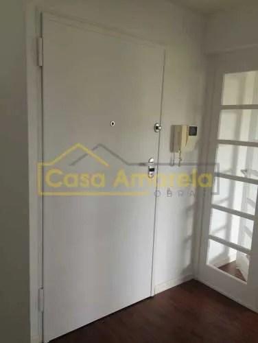 Pintura de apartamento porta de entrada