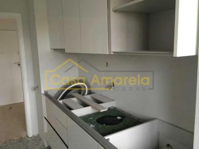 Remodelação de cozinha móveis brancos