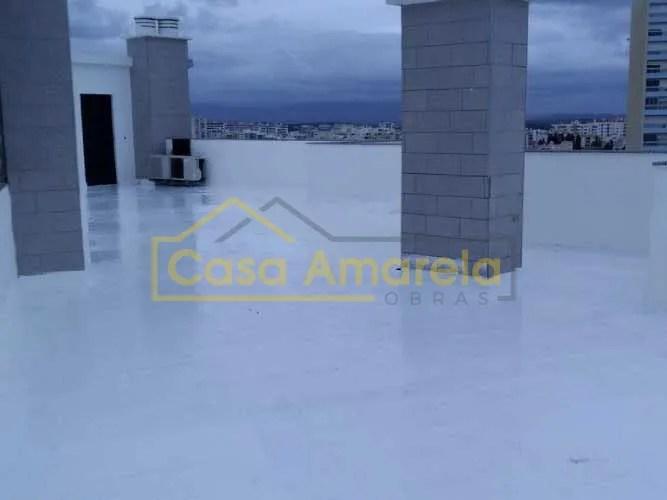 Trabalhos de impermeabilização de terraço