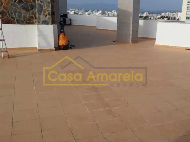 Trabalhos iniciais de impermeabilização de terraço