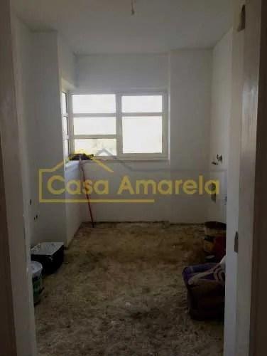 Trabalhos para remodelação de cozinha moderna no Porto