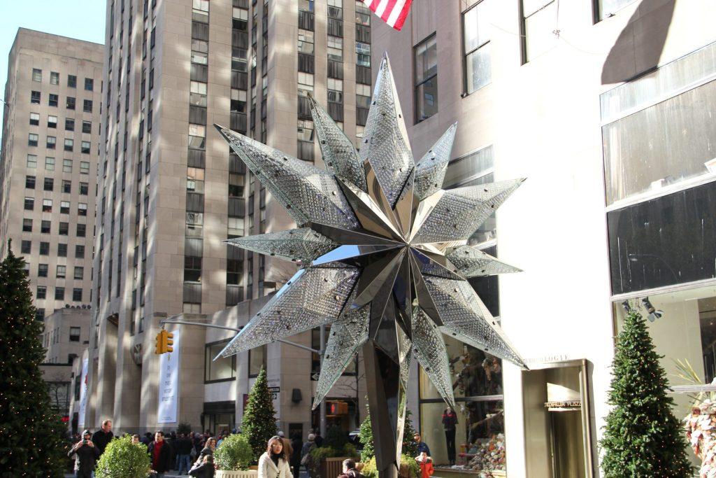 Estrela em cristais Swarovski e aço inox, em Nova York. Foto: Adriano Gronard