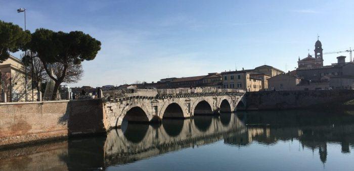 Ponte Di Tiberio - Casa Ao Cubo - Imagem: Alessandra Palmezan