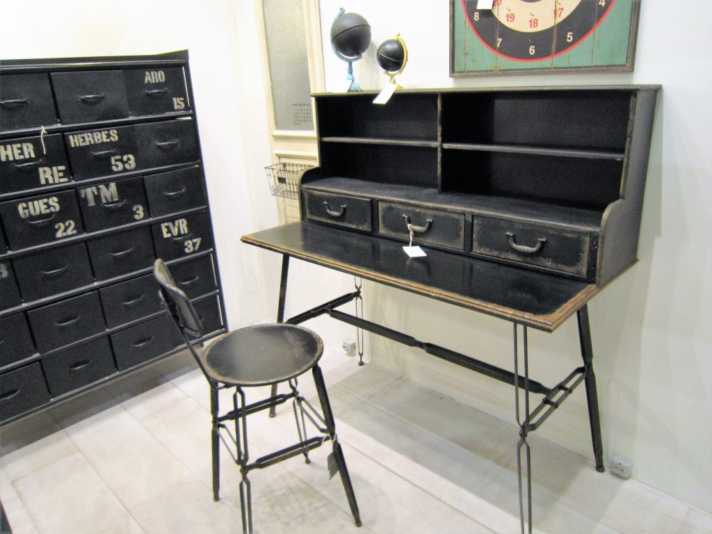 casa-ao-cubo-abimad-2017-escrivaninha-cadeira-arquivo-ferro-vintage-antique-retro-ethnix