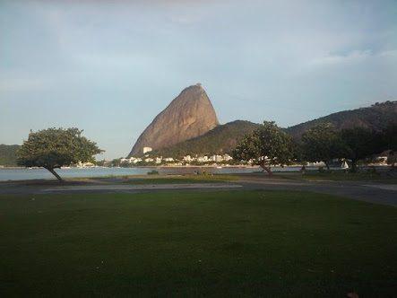 """Vista do Parque do Flamengo para o Pão de Açúcar! Veja mais sobre o """"aterro"""" em nossa matéria!"""