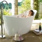 A banheira Amalfi da DOKA Bath Works tem design contemporâneo , leve e com formas acolhedoras. Linda! Imagem: DOKA