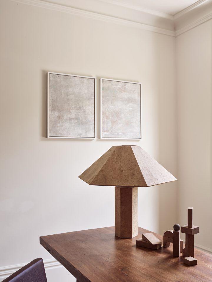 Una casa victoriana minimalista en sintonía con su pasado