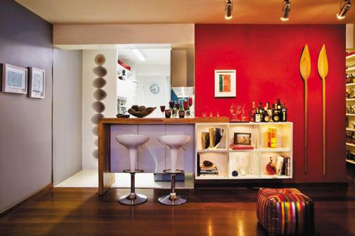 Cozinha e sala bem divididas