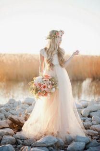 casamento_boho_vestido_tule_coroa_flores_cabelo