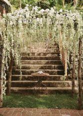 casamento_arco_portal_flores_cortina_branco_escada_01