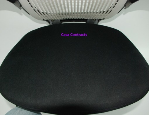 Knoll Generation chair Black and White 14a
