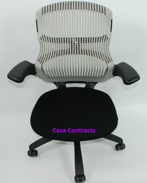 Knoll Generation chair Black and White 1a