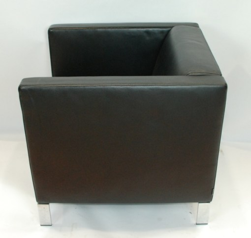 Walter Knoll Norman Foster inspired designed single seater sofa in black leather 2a