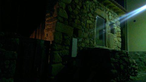Casa Exterior Noite