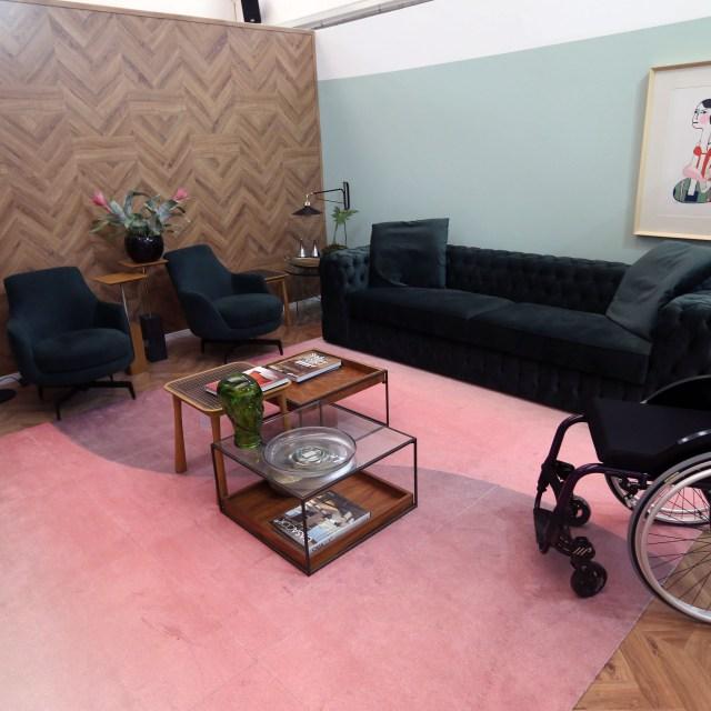 Mostra Lar Center de Arquitetura e Design Universal – Ambiente Sala de estar com TV – Profissional Roberta Banqueri