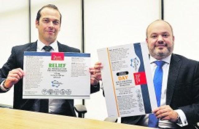Eduardo Berenguel (à esq.), diretor financeiro da startup campineira, e Fabio Camata Candello, diretor executivo, mostram as opções de produtos