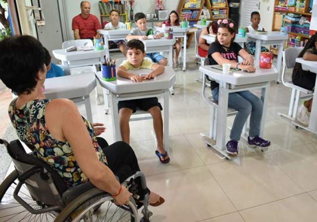 Sala de aula improvisada - Foto: Pedro Martins/G1