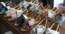 Com preço médio de R$ 269, os calçados da Insecta Shoes são veganos, isto é, não usam matéria-prima de origem animal, como couro, e são feitos com tecido de roupas de brechó, além de borracha e plástico reciclados (Imagem: Uol/reprodução)