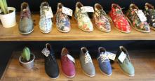 A Insecta Shoes foi fundada em 2014 como loja virtual e, em 2015, abriu uma loja física em Porto Alegre; a próxima cidade a ganhar unidade da marca é São Paulo (Imagem: Uol/reprodução)